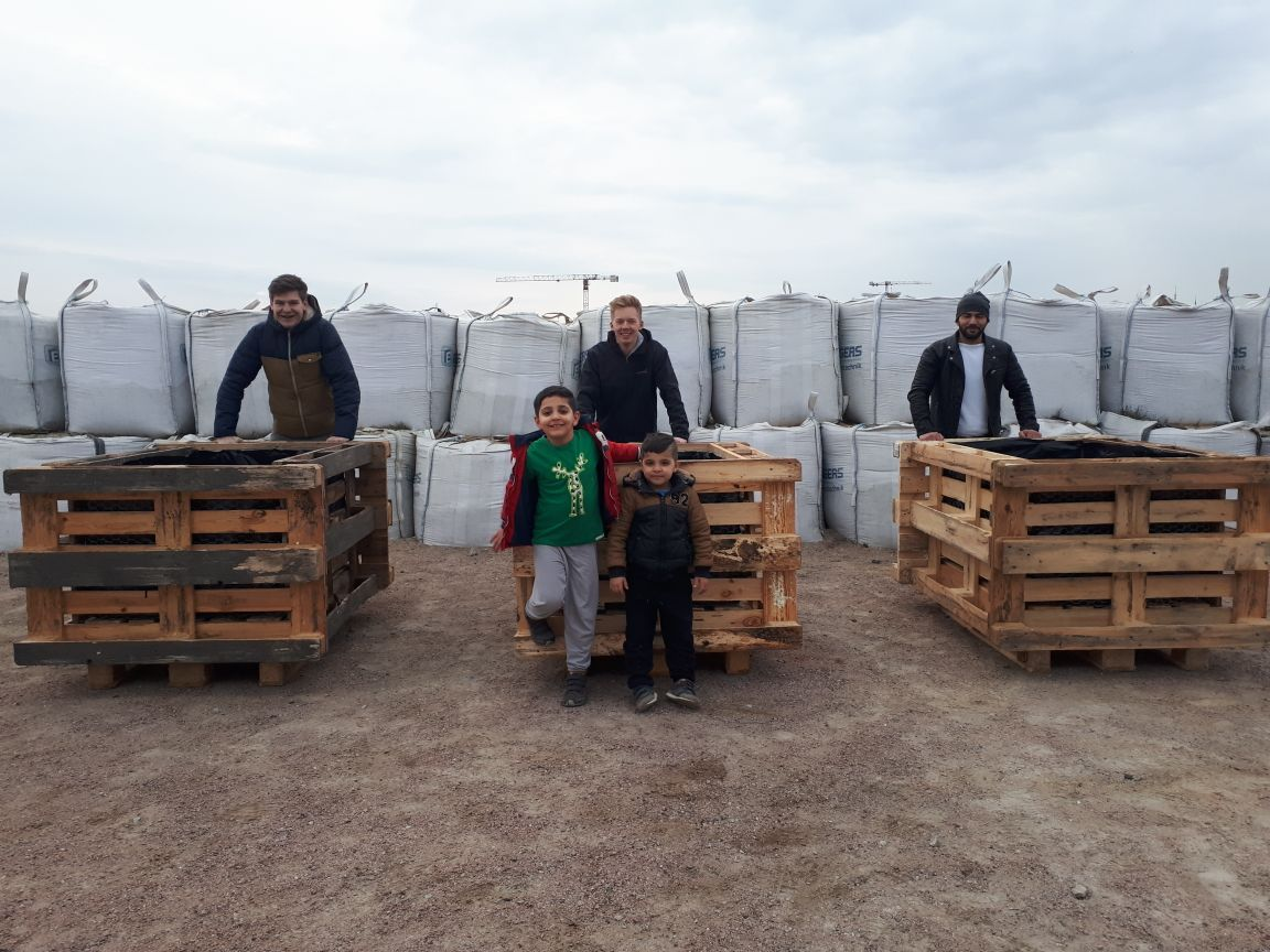 urban farming project in refugee area in hafencity hamburg grow gothenburg. Black Bedroom Furniture Sets. Home Design Ideas